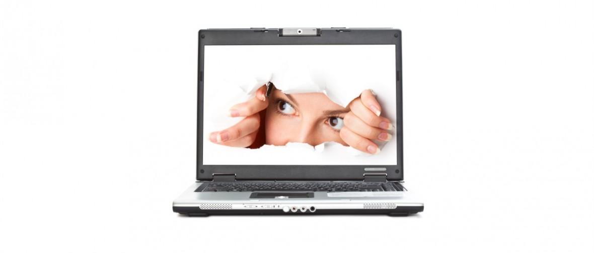 Francia aprueba una ley que permite espiar a los internautas