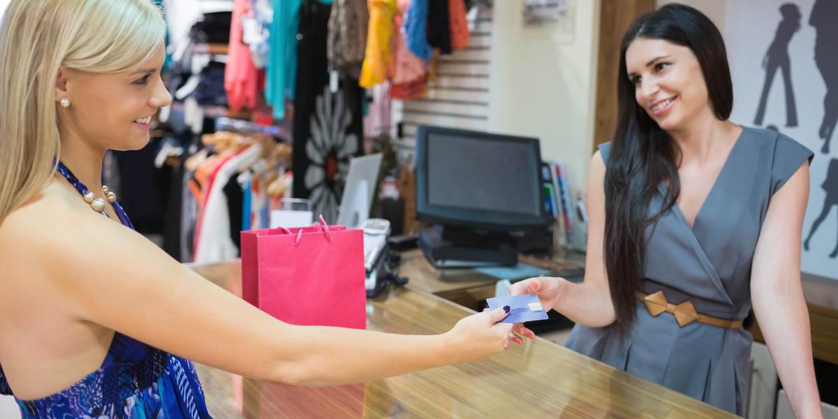 Informe: ¿Cuánto dinero gastan los turistas con sus tarjetas?